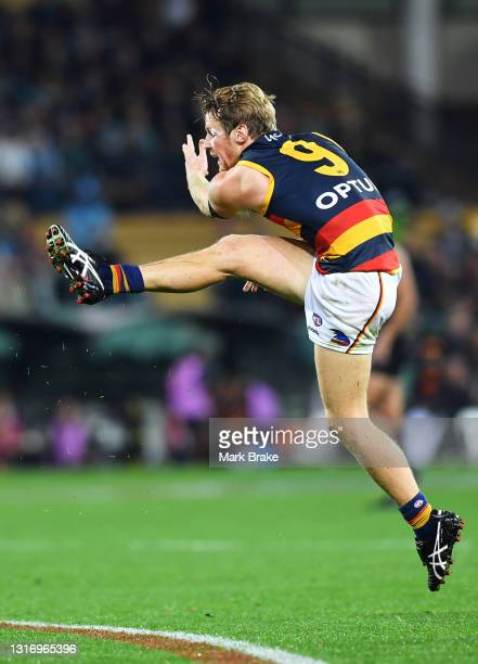 Rory Sloane of the Crows kicks for goal during the round eight AFL match between the Port Adelaide Power and the Adelaide Crows at Adelaide Oval on...
