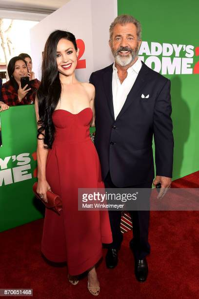 Rosalind Ross and Mel Gibson attend the premiere of Paramount Pictures' 'Daddy's Home 2' at Regency Village Theatre on November 5 2017 in Westwood...