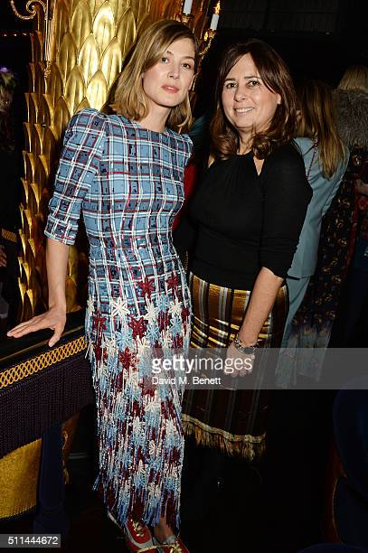 Rosamund Pike and Alexandra Shulman attend the Marc Jacobs Beauty dinner at the Club at Park Chinois on February 20 2016 in London England