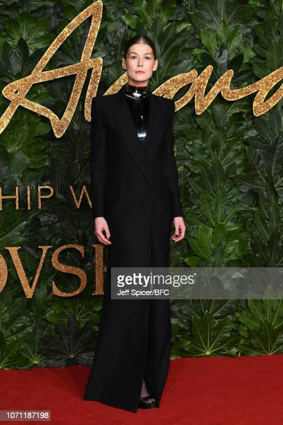 Rosamund Pike arrives at The Fashion Awards 2018 In Partnership With Swarovski at Royal Albert Hall on December 10 2018 in London England
