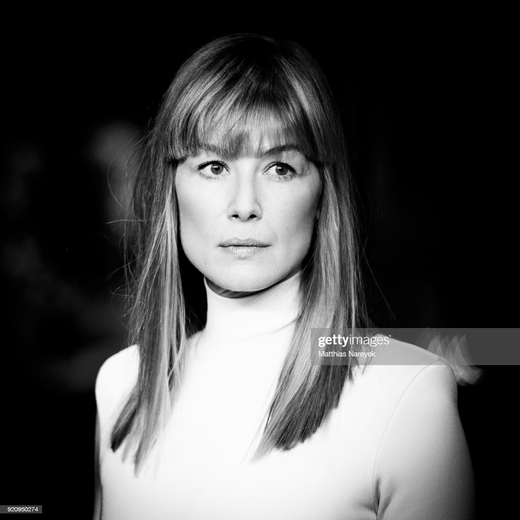Rosamund Pike attends the '7 Days in Entebbe' (7 Tage in Entebbe) premiere during the 68th Berlinale International Film Festival Berlin on February 19, 2018 in Berlin, Germany.
