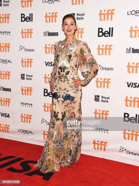 Rosamund Pike attends the Hostiles premiere during the 2017 Toronto International Film Festival at Princess of Wales Theatre on September 11 2017 in...