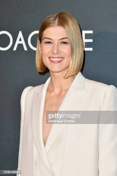 """Rosamund Pike attends the """"Radioactive"""" premiere at UGC Danton on February 24, 2020 in Paris, France."""