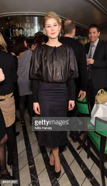 Rosamund Pike attends Vogue's dinner hosted by Alexandra Shulman and Nick Jones at Cecconi's on February 6 2009 in London
