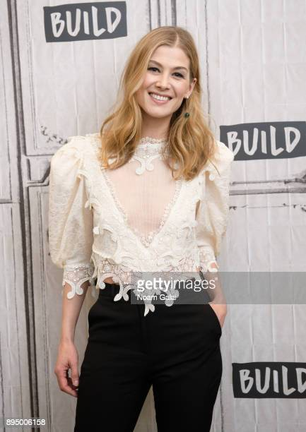 """Rosamund Pike visits Build Series to discuss """"Hostiles"""" at Build Studio on December 18, 2017 in New York City."""
