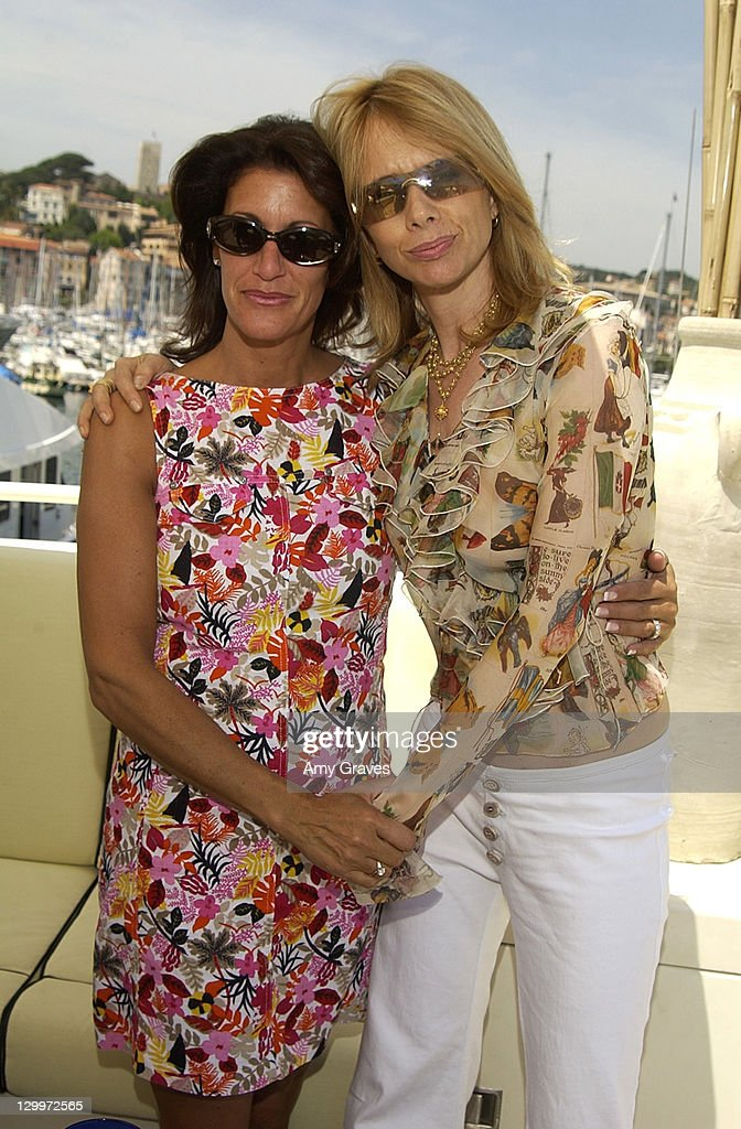 """Cannes 2002 - """"Searching for Debra Winger"""" Lunch on the Hollywood Yacht Sponsored by Hollywood Celebrity Diet : Fotografía de noticias"""