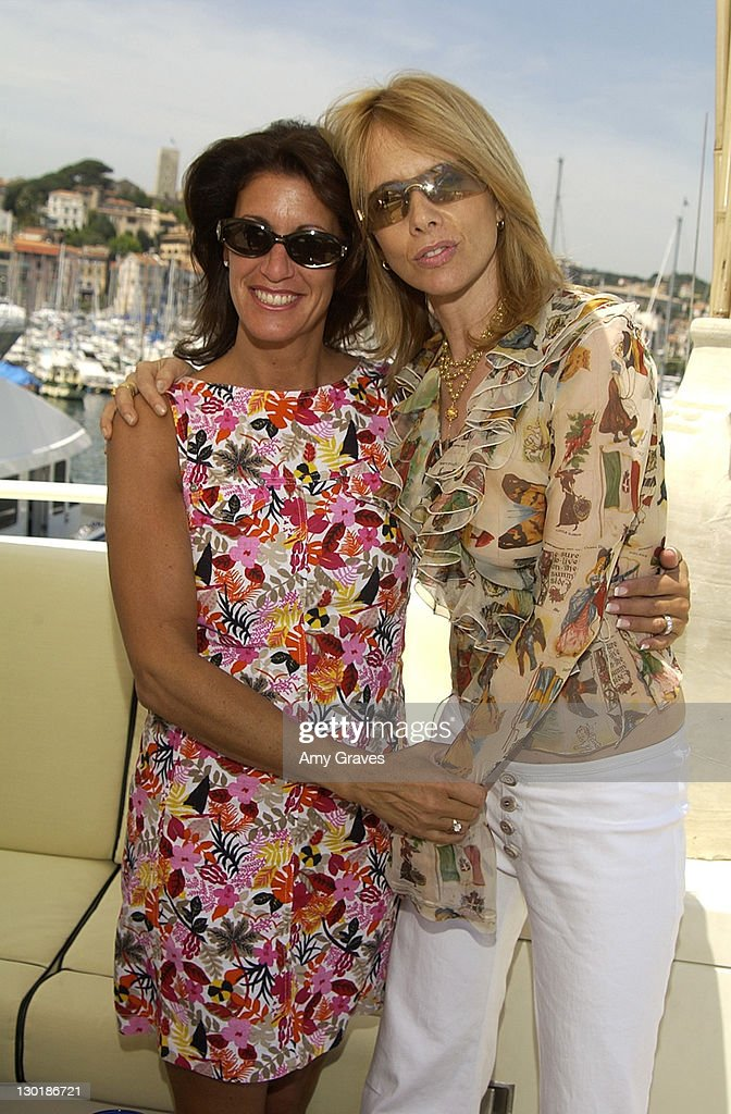 """Cannes 2002 - """"Searching for Debra Winger"""" Lunch on the Hollywood Yacht Sponsored by Hollywood Celebrity Diet : ニュース写真"""