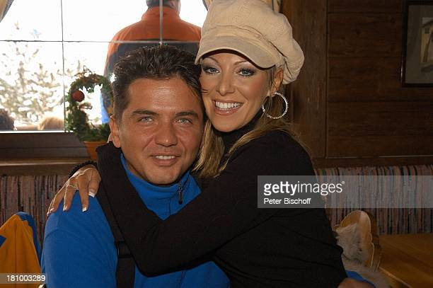Rosanna Rocci Ehemann Michael Morgan ZDFShow Hüttenzauber Seefeld/Tirol/Alpen/ sterreich Mütze Ohrring Sänger Sängerin Schlager Mann Wintersportort...