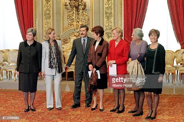 Rosaria Bindi, Giovanna Melandri, d'Alema, Rosa Russo Jervolino, Livia Turco, Laura Balbo, Katia Bellillo.
