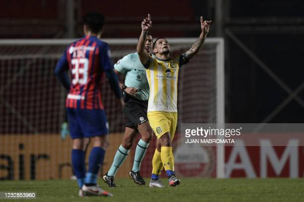 Rosario Central's Emiliano Vecchio celebrates after scoring against San Lorenzo during the Copa Sudamericana football tournament group stage...