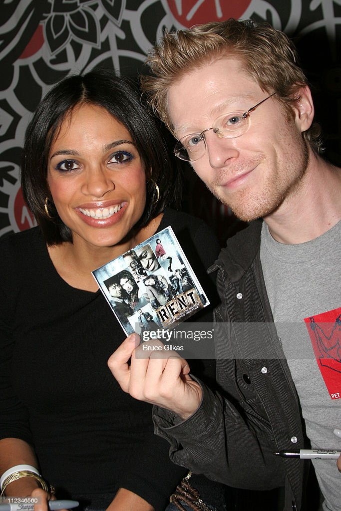 Rosario Dawson and Anthony Rapp