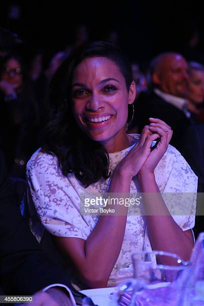 Rosario Dawson attends the amfAR Milano 2014 Gala Dinner and Auction as part of Milan Fashion Week Womenswear Spring/Summer 2015 on September 20 2014...
