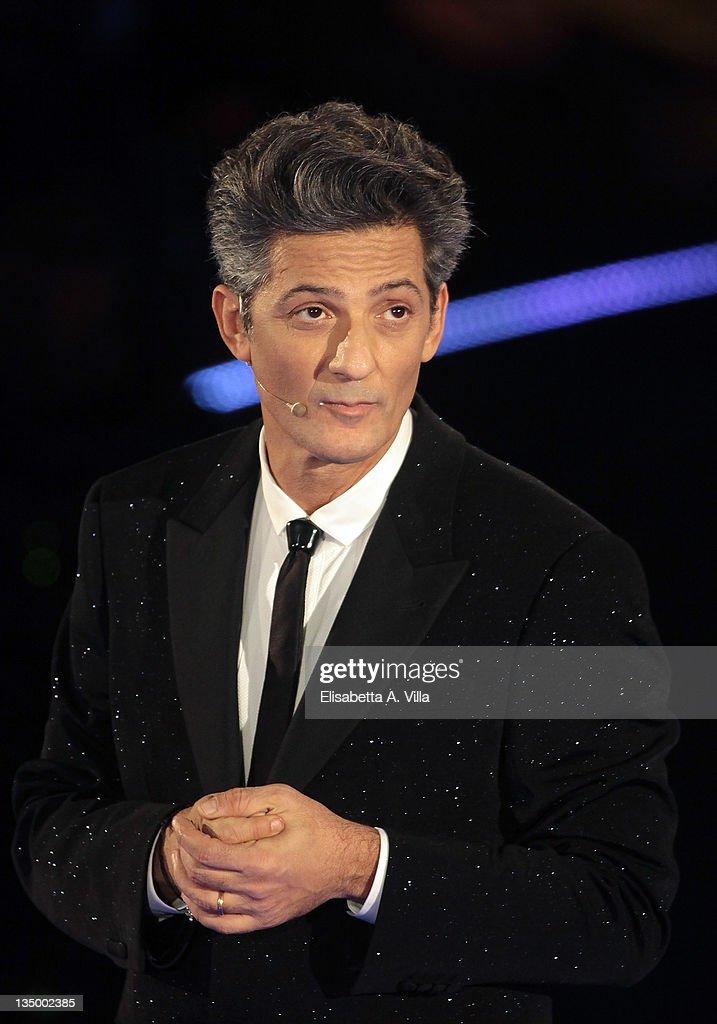"""IlPiuGrandeSpettacoloDopoIlWeekend"" Italian TV Show - December 5, 2011"