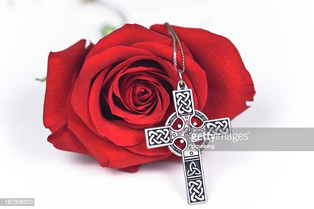 rose and cross - crosses with flowers stock pictures, royalty-free photos & images