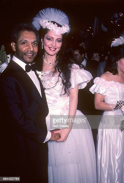 Rose Gennaro and restaurateur Shamsher Wadud attend their wedding and reception on April 21 1985 at Nirvana One Club One Times Square in New York City