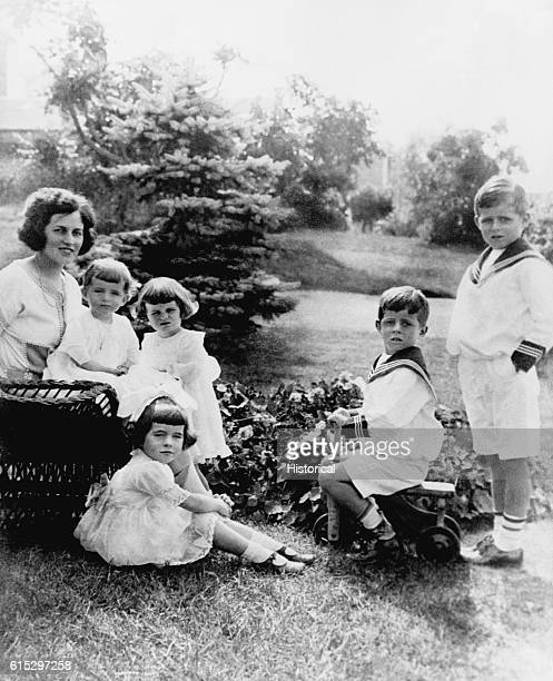 Rose Kennedy with five of her young children, including Joe Jr. , and John Fitzgerald Kennedy .