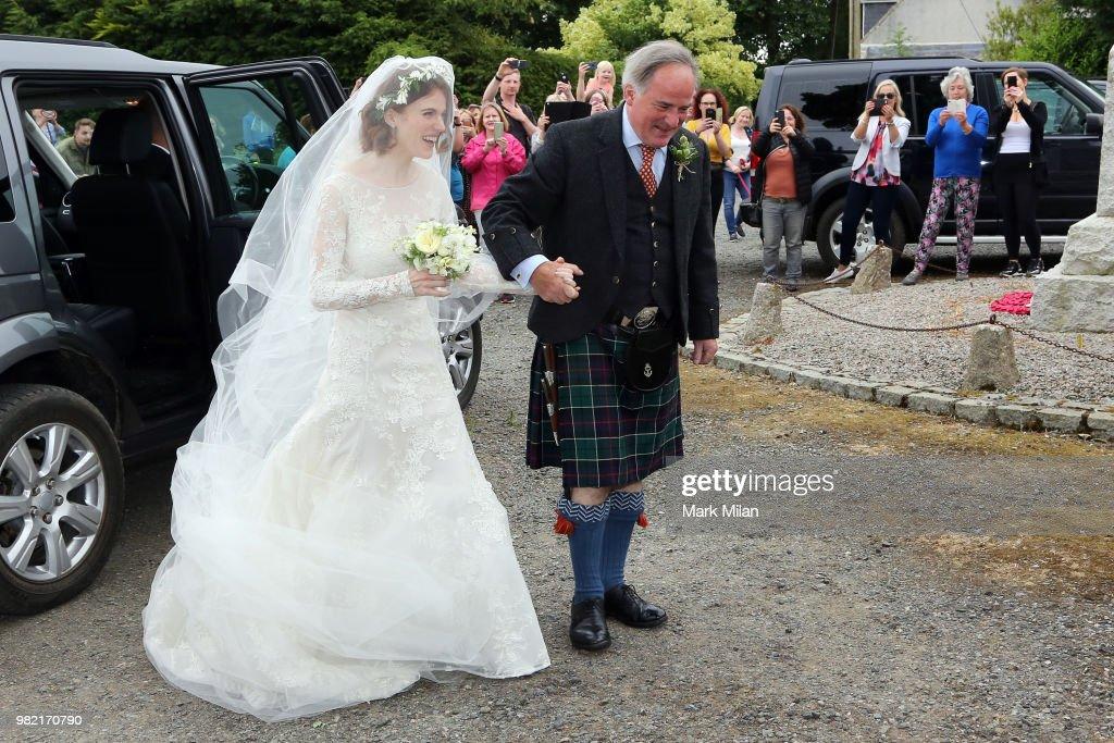 Kit Harington and Rose Leslie Wedding Sightings : Fotografía de noticias