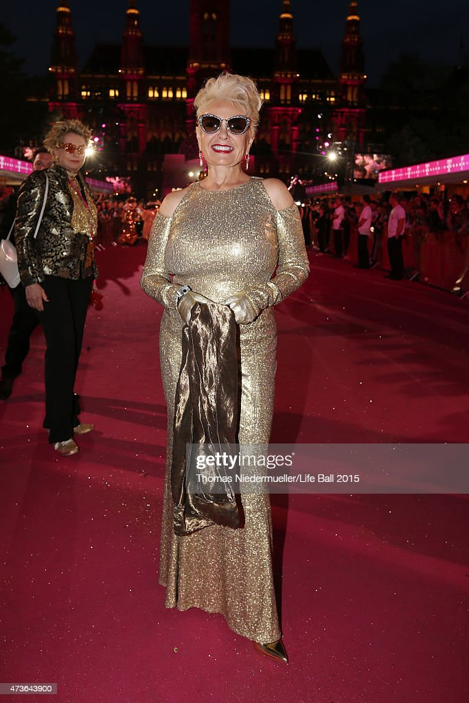 Roseanne Barr attends the Life Ball 2015 at City Hall on May 16, 2015 in Vienna, Austria.
