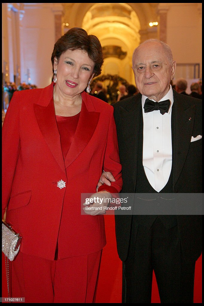The Dinner Hosted At The Petit Palais To Co-Inside With The Retrospective Yves Saint Laurent : Photo d'actualité