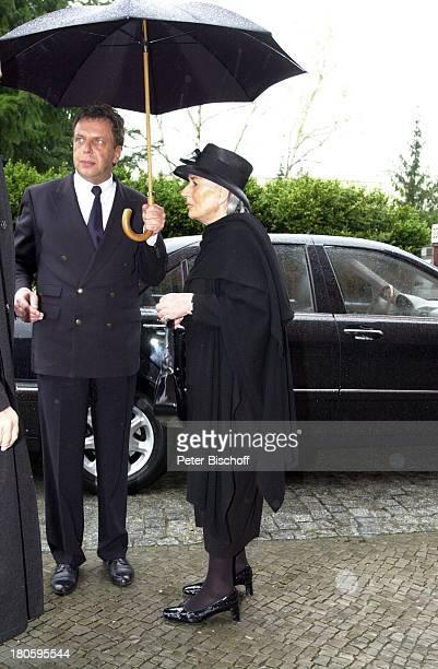 Rosemarie Drache Beisetzung von Heinz Drache Friedhof St Annen BerlinDahlem Beerdigung Frau