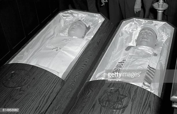 Rosenbergs Lie in State New York The bodies of executed atom spies Ethel and Julius Rosenberg lie in coffins on view at the Brooklyn funeral home...