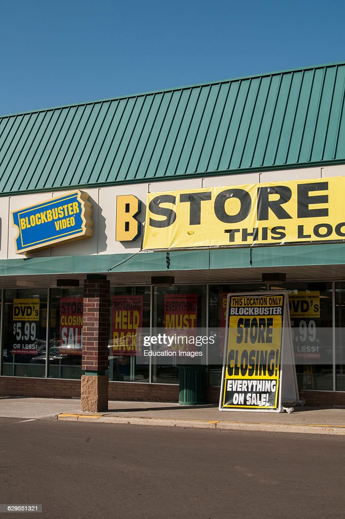 Blockbuster closing all stores because lack of consumer demand : News Photo