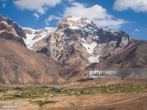 roshorv village in the bartang valley in the pamirs, tajikistan - badakhshan stock pictures, royalty-free photos & images