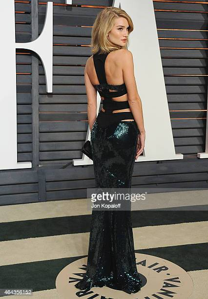 Rosie Huntington-Whiteley arrives at the 2015 Vanity Fair Oscar Party Hosted By Graydon Carter at Wallis Annenberg Center for the Performing Arts on...