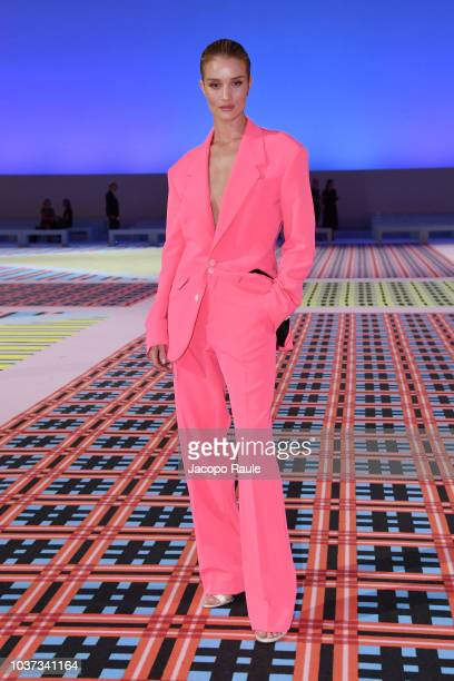 Rosie Huntington-Whiteley arrives at the Versace show during Milan Fashion Week Spring/Summer 2019 on September 21, 2018 in Milan, Italy.