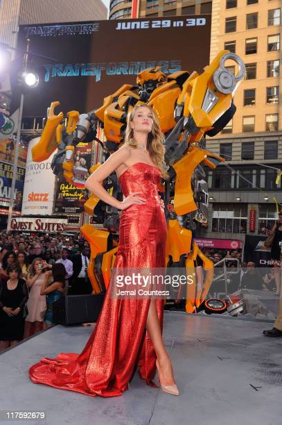 Rosie HuntingtonWhiteley attends the New York premiere of 'Transformers Dark Of The Moon' in Times Square on June 28 2011 in New York City
