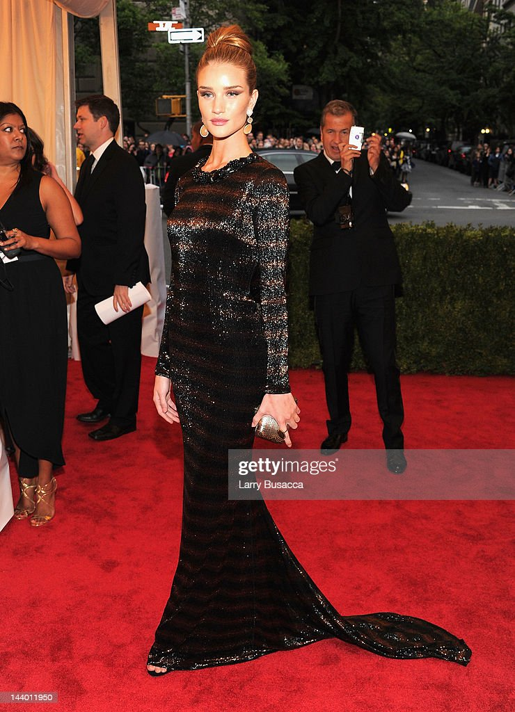 'Schiaparelli And Prada: Impossible Conversations' Costume Institute Gala : News Photo