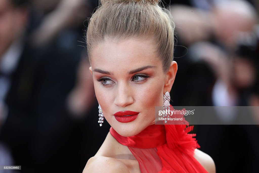 'The Unkown Girl (La Fille Inconnue)' - Red Carpet Arrivals - The 69th Annual Cannes Film Festival : News Photo