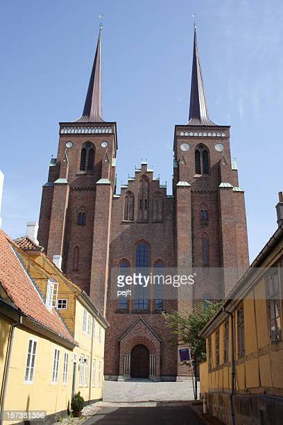 roskilde domkirke cathedral - tomb of the kings! - pejft stock pictures, royalty-free photos & images
