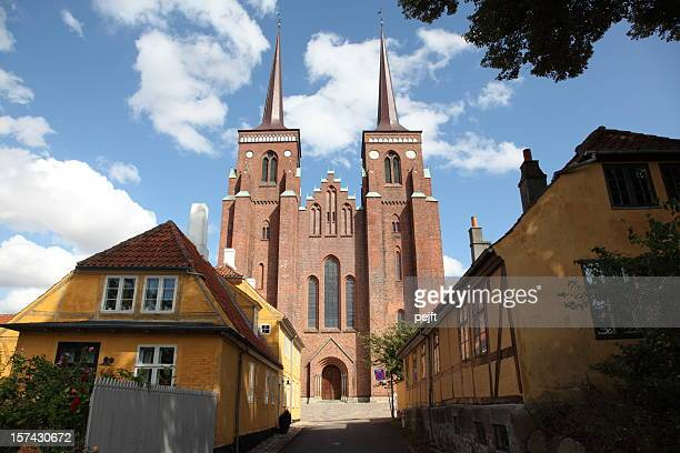 roskilde domkirke (cathedral) - tomb of the kings! - pejft stock pictures, royalty-free photos & images