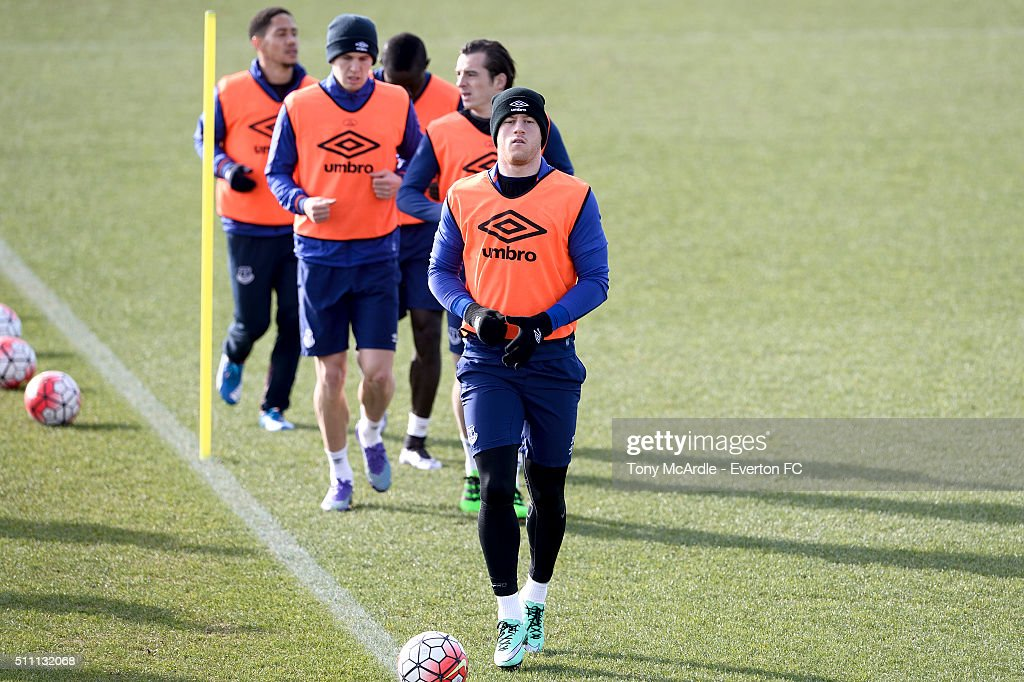Ross Barkley (F) and team mates during the Everton training session at Finch Farm on February 18, 2016 in Halewood, England.