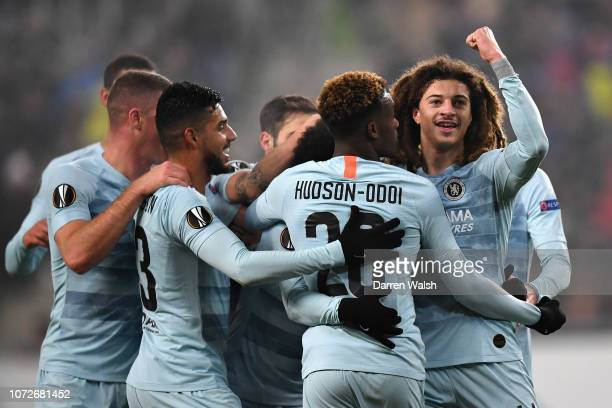Ross Barkley Emerson Palmieri Callum HudsonOdoi and Ethan Ampadu all of Chelsea celebrate after Willian scored their sides first goal during the UEFA...
