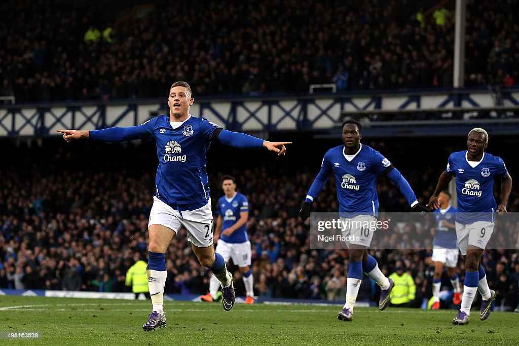 Ross Barkley (1st L) of Everton celebrates his team's third goal during the Barclays Premier League match between Everton and Aston Villa at Goodison Park on November 21, 2015 in Liverpool, England.