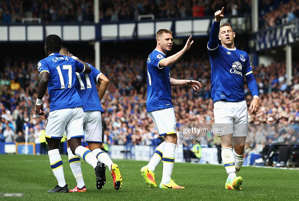 Everton v Tottenham Hotspur - Premier League : News Photo