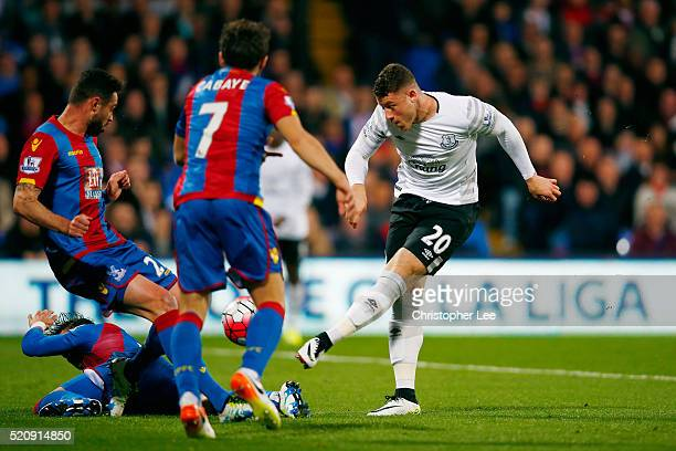 Ross Barkley of Everton has an early shot on goal during the Barclays Premier League match between Crystal Palace and Everton at Selhurst Park on...
