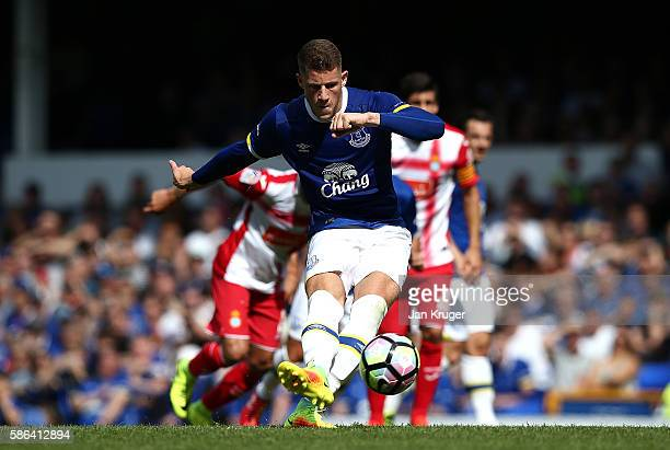 Ross Barkley of Everton misses a penalty during the preseason friendly match between Everton and Espanyol at Goodison Park on August 6 2016 in...