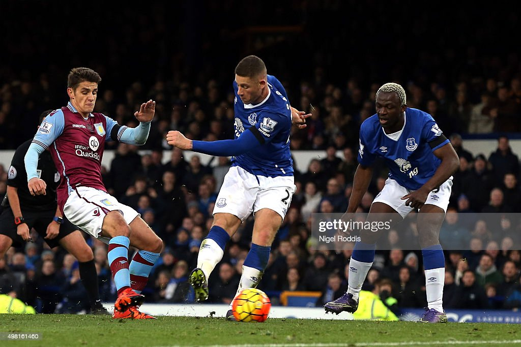 Ross Barkley (C) of Everton scores his team's third goal during the Barclays Premier League match between Everton and Aston Villa at Goodison Park on November 21, 2015 in Liverpool, England.