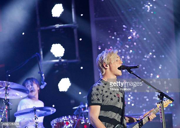 HOLLYWOOD CA MAY 13 Ross Lynch and Ellington Ratliff of R5 perform at the 2014 MDA show of strength telethon at the Hollywood Palladium on May 13...