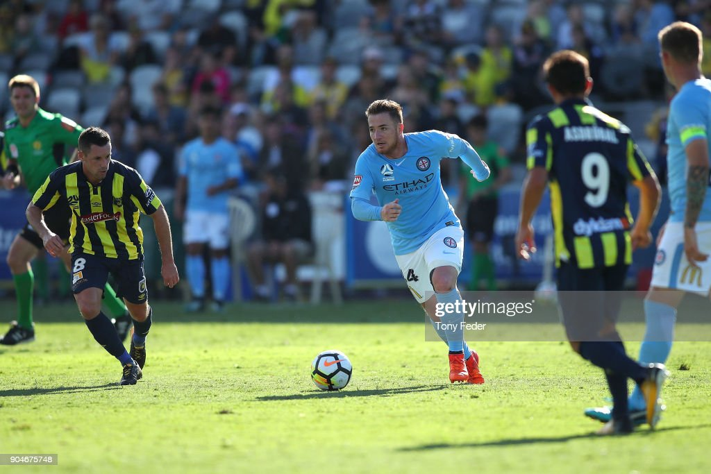A-League Rd 16 - Central Coast v Melbourne : News Photo