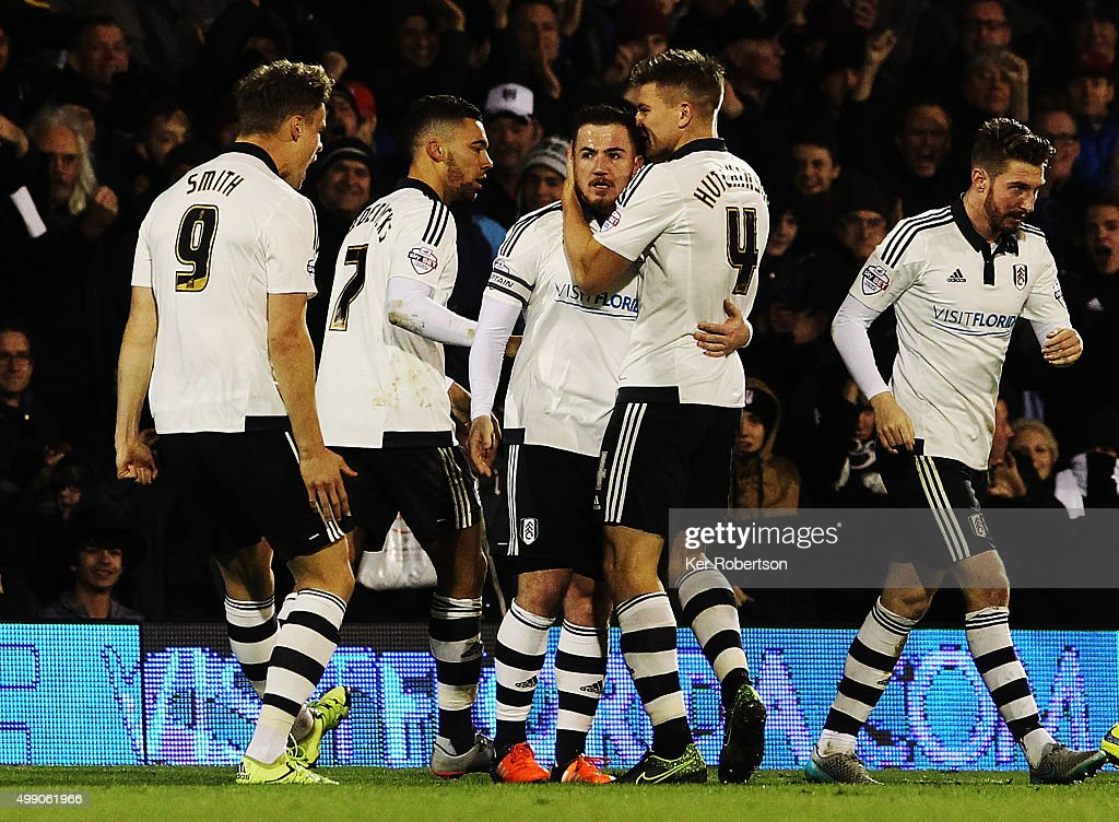 Ross McCormack (C) of Fulham celebrates with team mates after scoring during the Sky Bet Championship match between Fulham and Preston North End at Craven Cottage on November 28, 2015 in London, England.