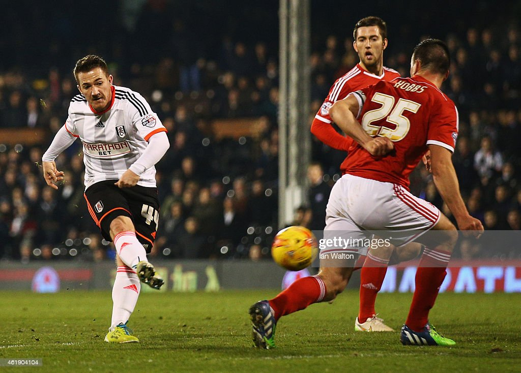 Ross McCormack of Fulham (L) scores their second goal during the Sky Bet Championship match between Fulham and Nottingham Forest at Craven Cottage on January 21, 2015 in London, England.