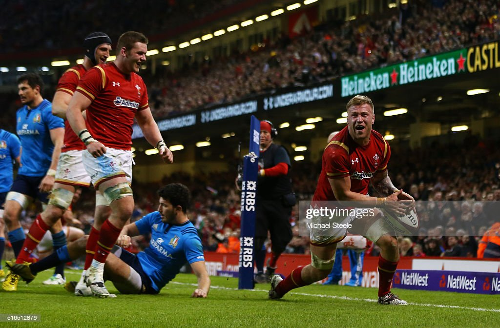 Ross Moriarty of Wales cxelebrates after scoring his team's seventh try during the RBS Six Nations match between Wales and Italy at the Principality Stadium on March 19, 2016 in Cardiff, Wales.
