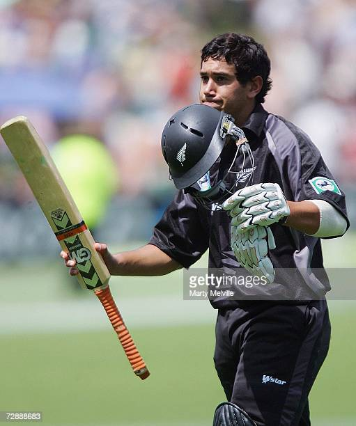 Ross Taylor of New Zealand acknowledges the crowd as he walks off during the first One Day International match between New Zealand and Sri Lanka at...