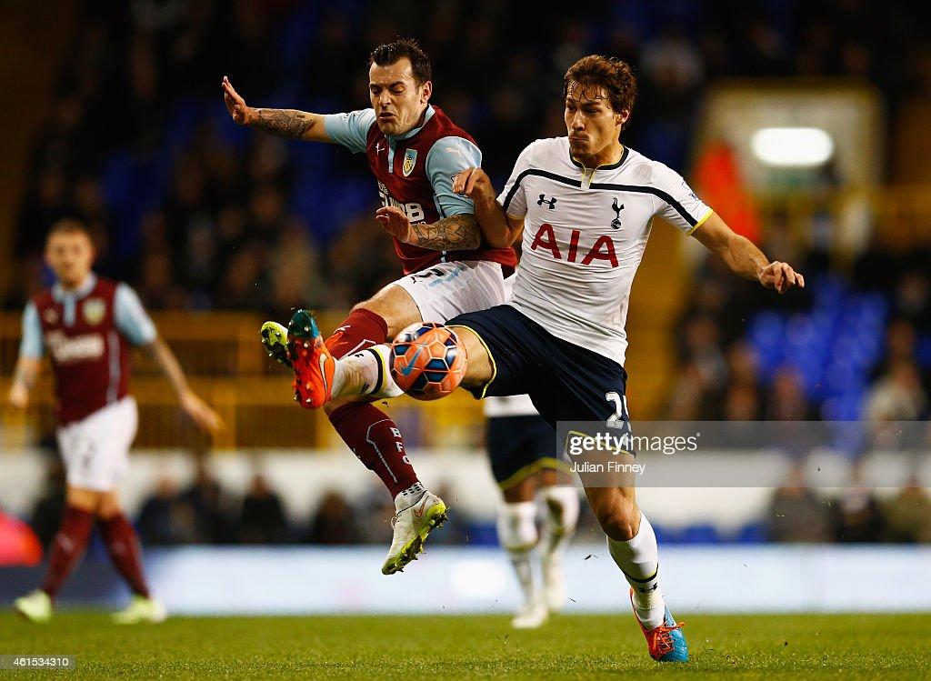 Tottenham Hotspur v Burnley - FA Cup Third Round Replay : News Photo