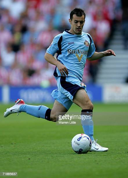 Ross Wallace of Sunderland controls the ball during the CocaCola Championship match between Derby County and Sunderland at Pride Park on September 9...