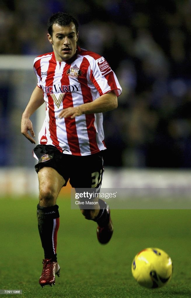 Ross Wallace of Sunderland in action during the Coca Cola Championship match between Leicester City and Sunderland at the Walkers Stadium on January 1, 2007, in Leicester, England